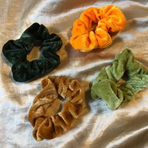 Accessories - ⭐️ 4pc Scrunchie Set NWOT